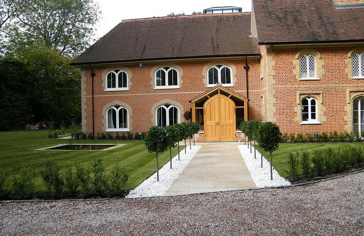Large contemporary family garden